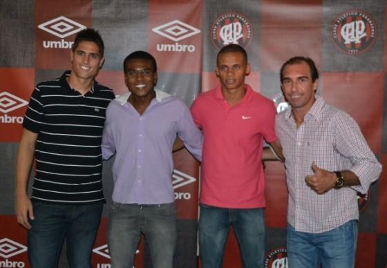 Jogadores participaram do jantar de aniversário do Atlético Paranaense